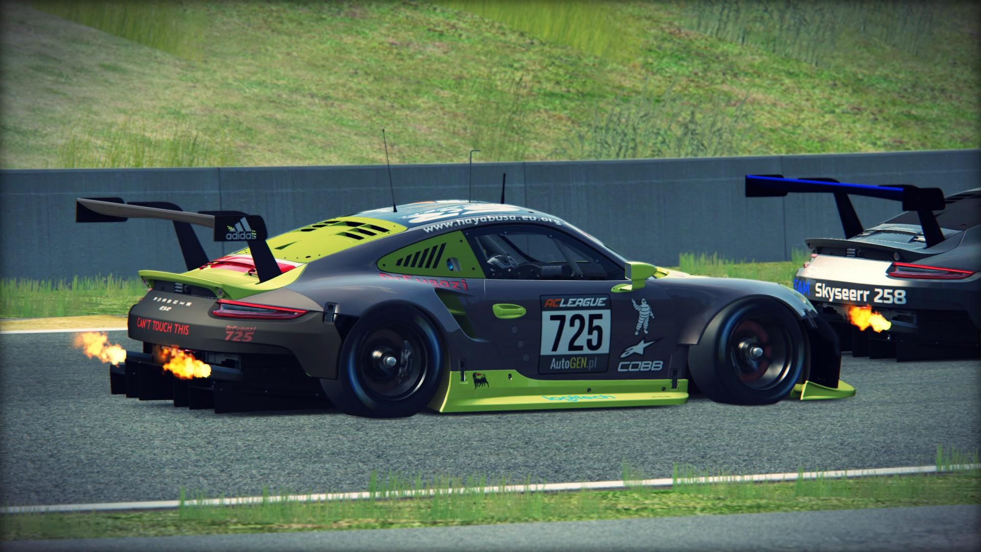 Porsche-911-RSR-RoadAmerica-06
